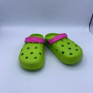 green children's classic hole shoes